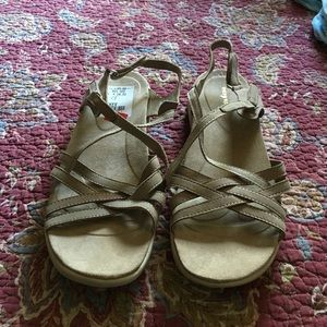 NWT EasySpirit Sandals